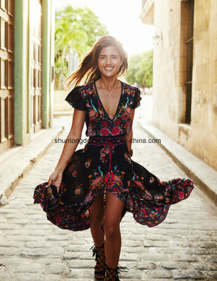 New Women Summer V Neck Vintage Boho Long Maxi Floral National Chiffon Dress Party Beach Dress Floral Sundress pictures & photos