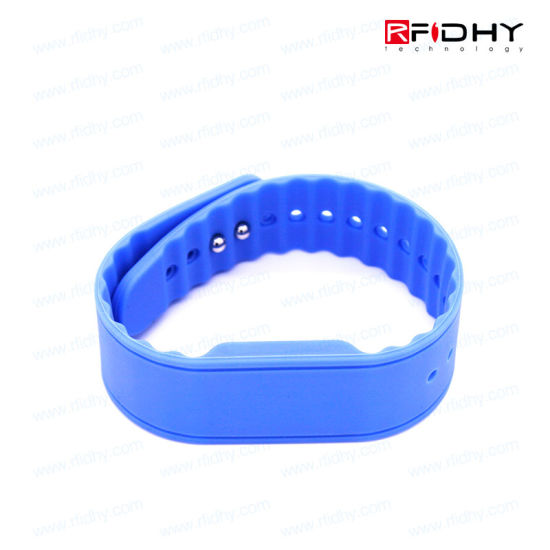 Non-Transferable Color Coated RFID Wristband for Identification pictures & photos