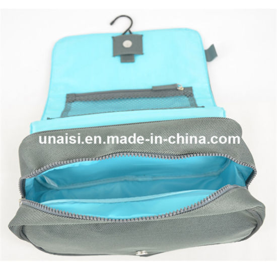 China Hanging Toiletry Kit Carry Makeup Travel Bag for Cosmetic ... e5c4de4f1e25b