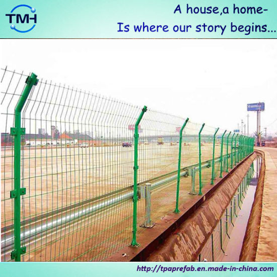 China Powder Coated Welded Wire Mesh Fence for Garden - China Fence ...