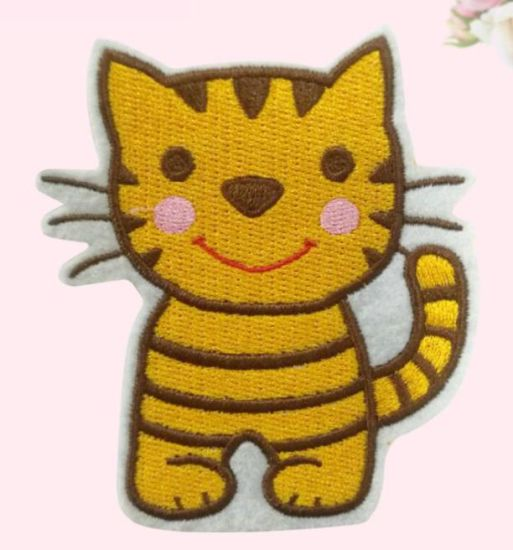 Wholesale Self Adhesive Felt Embroidery Badge/Patch with Stick on Back for Bags