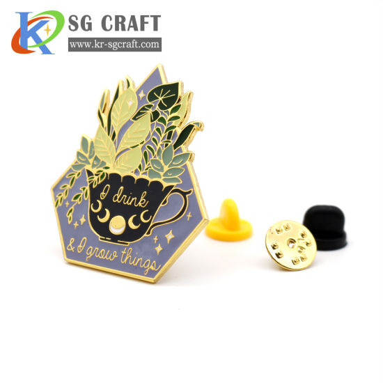 Hot Selling Custom Badges Flower Pin Badge Military Enamel Gold Plated 3D Badge for Men and Women