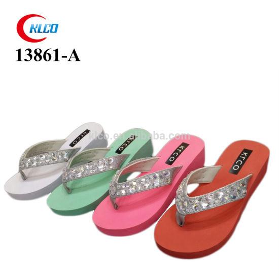 2021 Fashion Beach Slippers Wedge Rubber Women's Sandals Diamonds Flip Flops Wholesale