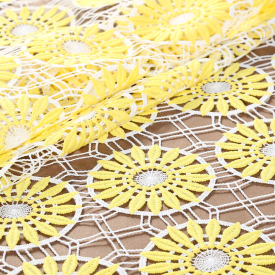 Latest Design Embroidery Guipure Lace Fabric for Wedding Dresses