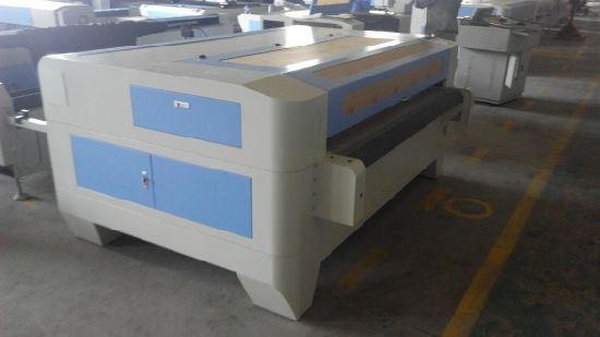 Fabric Roller Laser Cutting Machine with Auto Feeding pictures & photos
