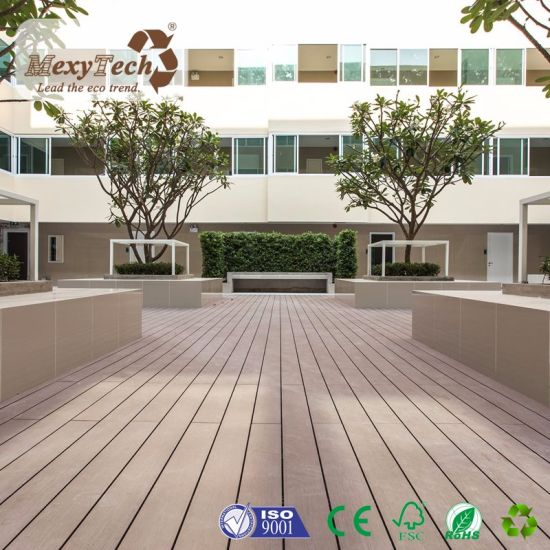 Guangdong Supplier New Waterproof Outdoor WPC Plastic Composite Panel pictures & photos