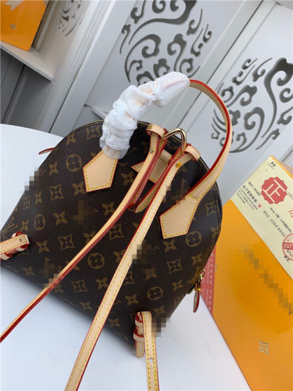 Newly Designer Luxury Real Leather Ladies Backpack pictures & photos