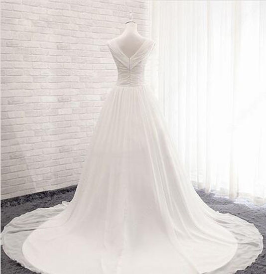 Chiffon V-Neck Ball Gown Court Train with Ruffles Wedding Dress pictures & photos