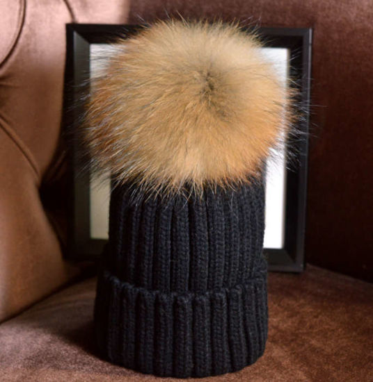 Wholesale Fur Ball POM POM Wool Knitted Beanie Cap Women Winter Hat pictures & photos