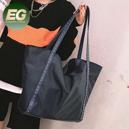 Guangzhou Handbag Factory Wholesale Nylon Bulk Handbags Large Capacity Waterproof Women Shopping Tote Bag with Studs Sh1349