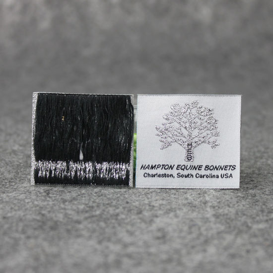 Newest Product Nice Design Silver Thread Straight Cut Woven Label pictures & photos
