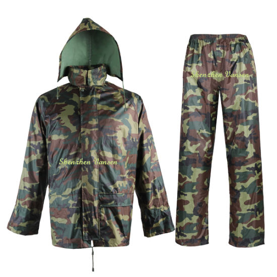 OEM Polyester/PVC Camouflage Raincoat Rain Jacket with Pants for Men