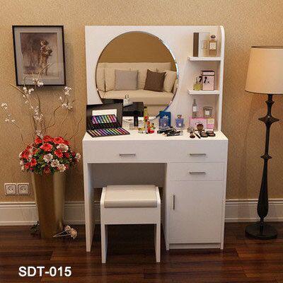Wooden Bedroom Dresser with Mirror