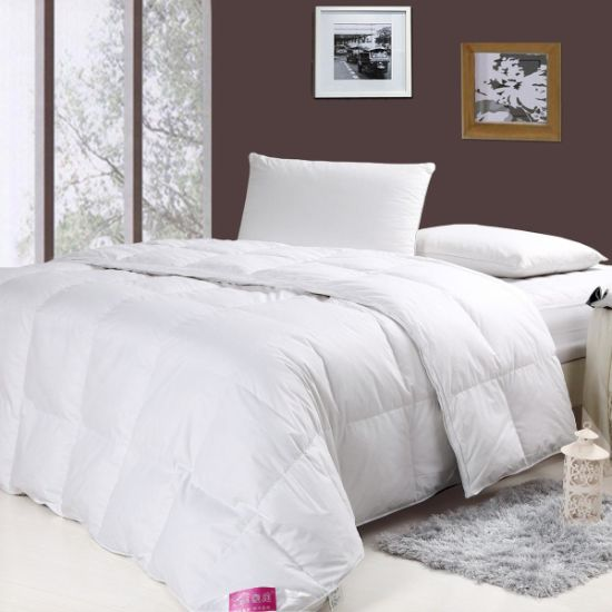1.2D Siliconized Fiber White Color Bedding Comforter pictures & photos