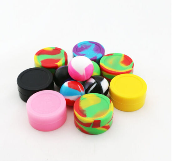 FDA Approved Cheap Silicone Tobacco Container pictures & photos