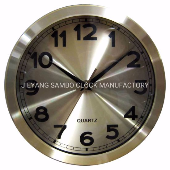 Luxury Style Metal Clock to Indoor Decorations pictures & photos
