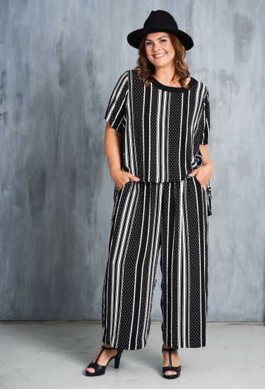 Women Spring and Summer Stripe Dress for Leisure