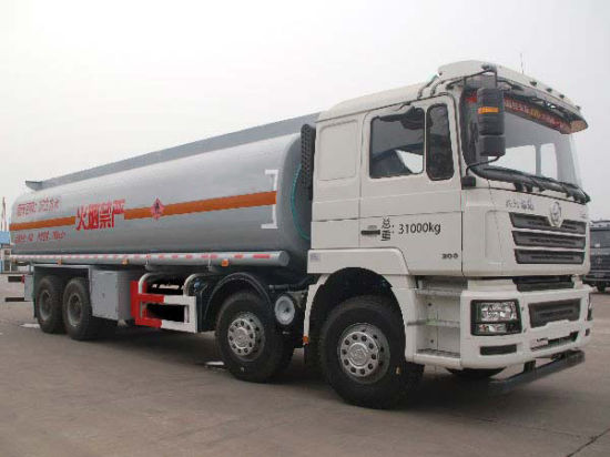 Stock Shacman Fuel Truck 27, 000L pictures & photos