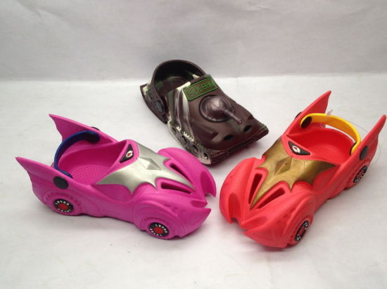 Lovely Children′s Car Cartoon Style EVA Clogs (21IV1612) pictures & photos