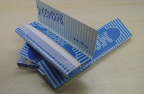 Moon Blue 1 1/4 14GSM Tobacco Paper