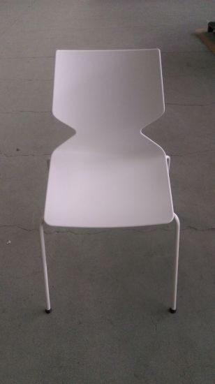 Reddot Awarding Modern Design Colorful Stackable Plastic Dining Chair pictures & photos