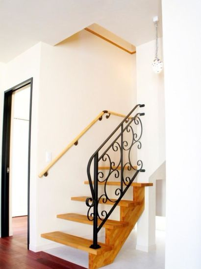 Competitive Price Wrought Iron Stair Railing Designs From Factory pictures & photos