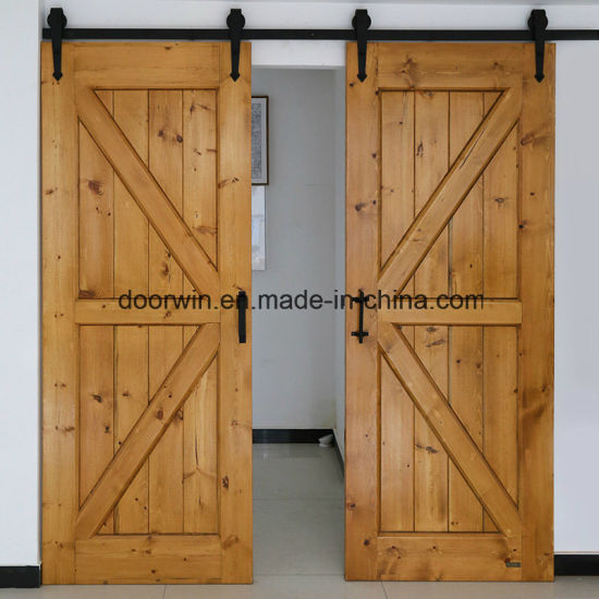 American Style Flush Door Wooden Interior Living Room Sliding Barn Made Of Knotty Pine Larch