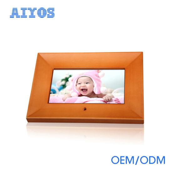 2017 New Popular Best Wooden 7 Inch Digital Photo Frame pictures & photos