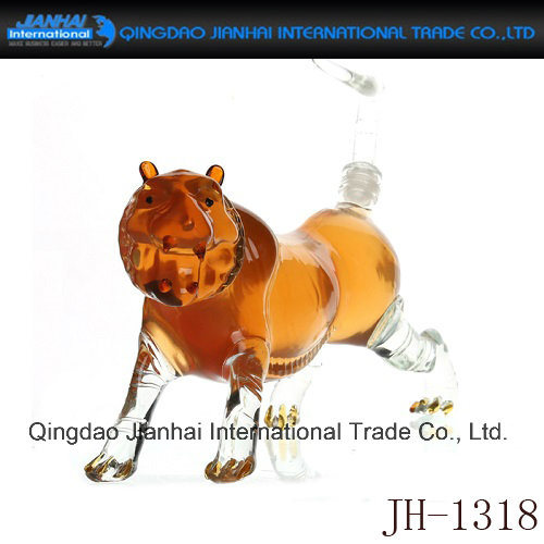 Twelve Chinese Zodiac Signs Design Glass Bottle for Wine pictures & photos