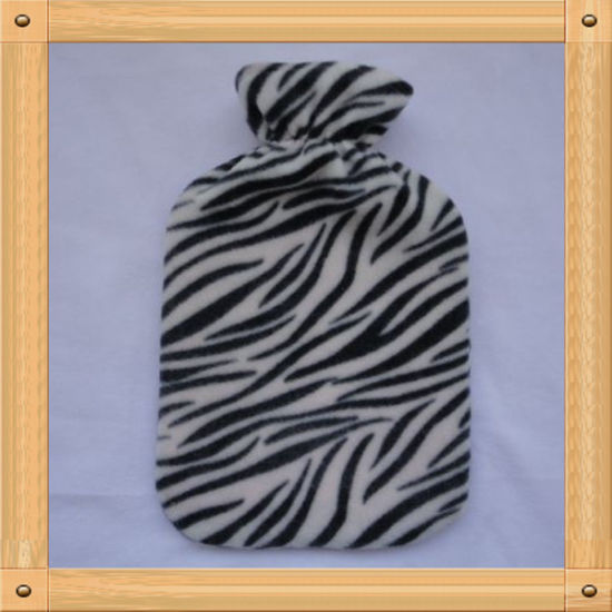 The Black Lines Plush Cover for Hot Water Bottle pictures & photos