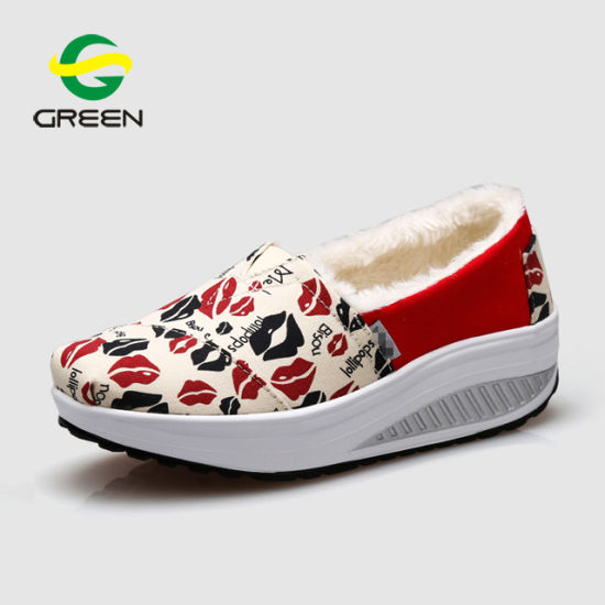 Greenshoe Ladies Shoes Casual Loafers Slip on Shoes Women Casual Shoes pictures & photos