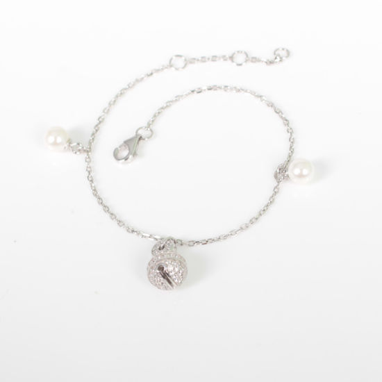 Usual Little Bell and Shell Pearl Trendy 925 Sterling Silver White Gold Bracelet with Good Quality pictures & photos