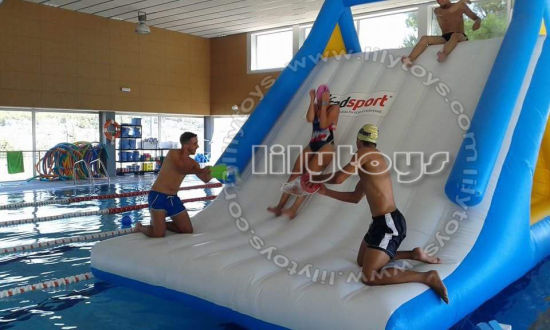 Giant Inflatable Commercial Aqua Park Floating Water Park Island for Sale pictures & photos