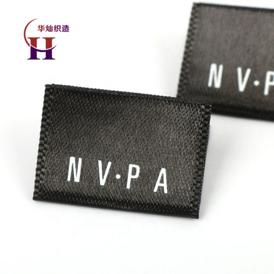 Wholesale Custom Famous Brand Name Logo Centerfold Machine Printed Clothes Labels for Clothing