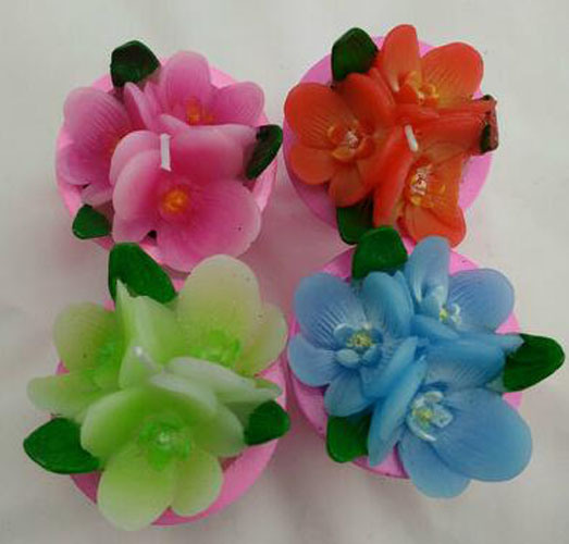 Mini Colorful Floating Flower-Shaped Candle pictures & photos