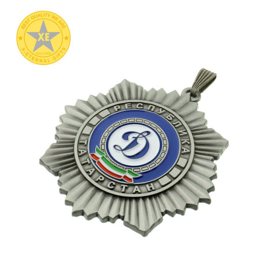 3D/2D/Flat/ Full 3D Attractive Design Metal Pin Badge pictures & photos