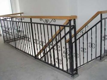 Wrought Iron Staircase Handrails to Customize pictures & photos