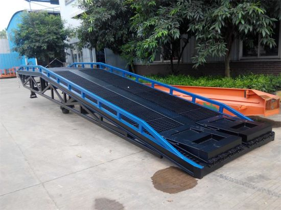 Dock Mobile Hydraulic Container Loading Ramp pictures & photos