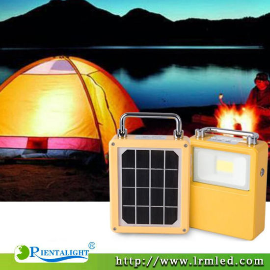 Outdoor Emergency Camping Portable Temporary Job Torch 10W 20W 30W 50W Solar LED Floodlight pictures & photos