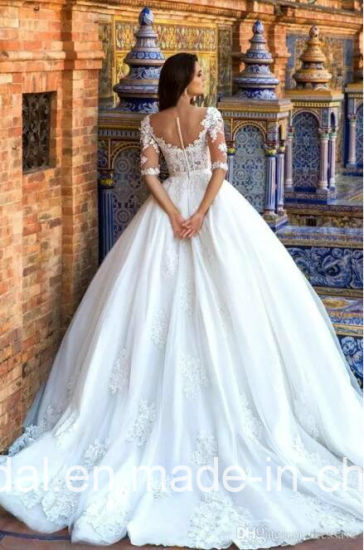 V-Neckline Bridal Dress Lace Tulle 3/4 Sleeves Plus Size Wedding Dresses F60 pictures & photos