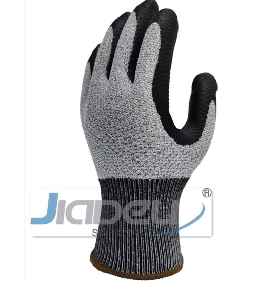 Daily Using Working Accessories Reduce Risk Knitted B. Comb Patent Design Cut Resistance Safety Gloves with Foam Nitrile Coating