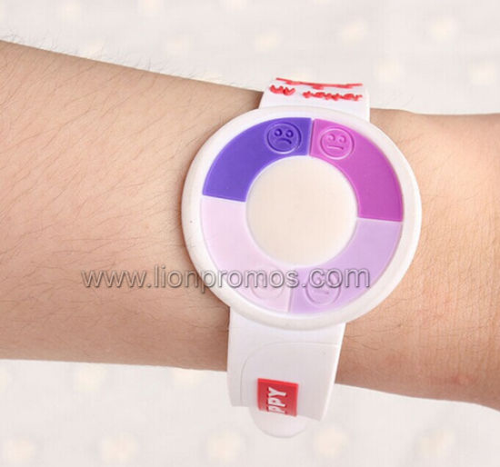 Custom Logo Silicone Wristband with UV Tester Function pictures & photos