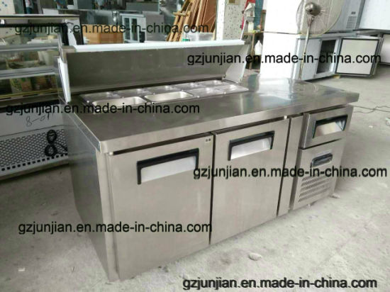 Customized Two Door Stainless Steel Kitchen Counter Top Workbench Pizza Refrigerator