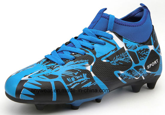 2580d51ac56 China High Cut New Design Soccer Shoes Football Boots (131H) - China ...