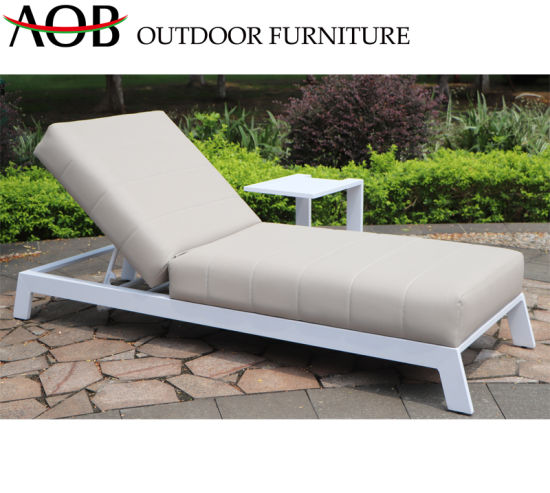 New Product 2019 Modern Outdoor Garden Hotel Resort Furniture Beach Chair Sun Lounger Daybed Sunbed with Table