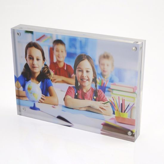 China 7 Inches Clear Deskptop Plexiglass Photo Display Stand China
