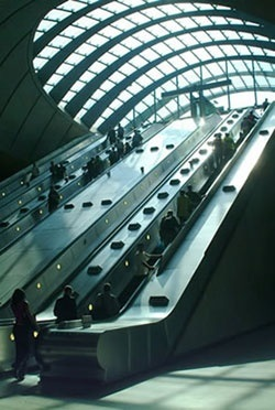 Germany Brand Indoor Passenger Escalator pictures & photos