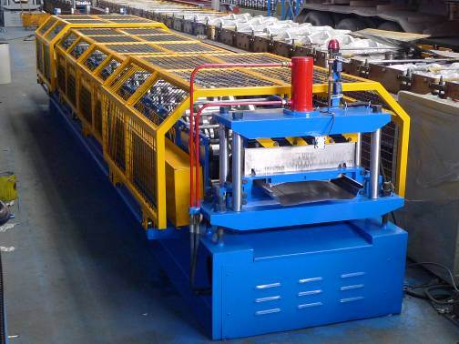 Yx71-478 Boltless Joint Hidden Roofing Panel Roll Forming Machine with Taiwan Quality