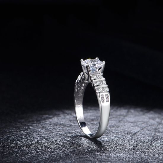Korean Style Rhodium Plating Fashion Wedding Jewelry Ring pictures & photos