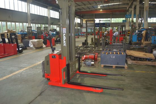 Tb Customized Type Pallet Stacker with CE Certificate pictures & photos